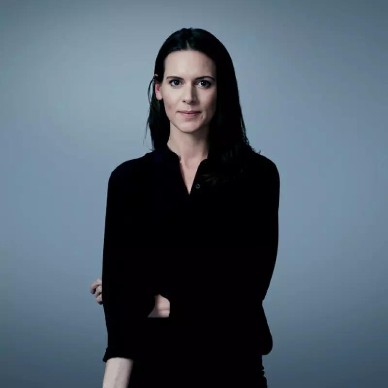 Fiona Sinclair <br>Scott